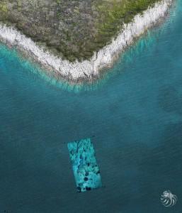 La zone sous-marine étudiée et intégrée dans la photo aérienne réalisée avec notre drone © Octopus Foundation