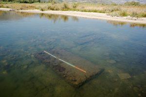 Il y a plusieurs centaines de vestiges non-documentés qui attendent patiemment sous l'eau de la lagune d'Oricum © Octopus Foundation